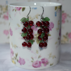 Bunch earrings red currant
