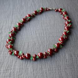 Ягодное ожерелье